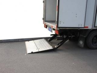 折叠式铝合金尾板2